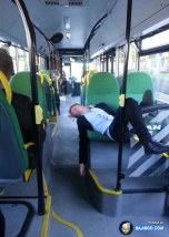 girl-sleeping-in-bus-weird-style-funny-pics